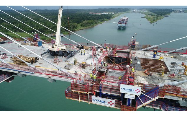 Pont Atlantique en construction